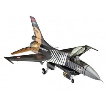 """Model Set F-16 C """"SOLO TÜRK"""" 1:72"""