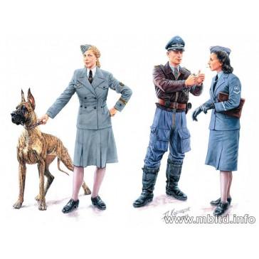 Women at War: Lutfwaffe 1/35