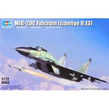 Mig-29C Fulcrum Izdeliye 9.13 1/72