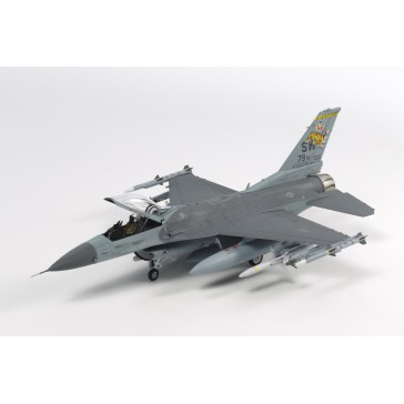 DISC.. F-16CJ avec Charges Externes