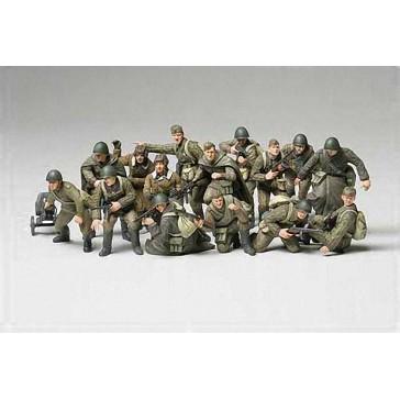 Soldats et Tankistes Russes