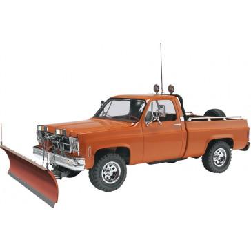GMC Pickup w/ Snow Plow 1:24