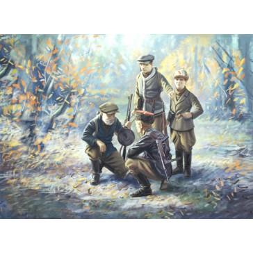 WWII Soviet Partisans (4 fig) 1/35